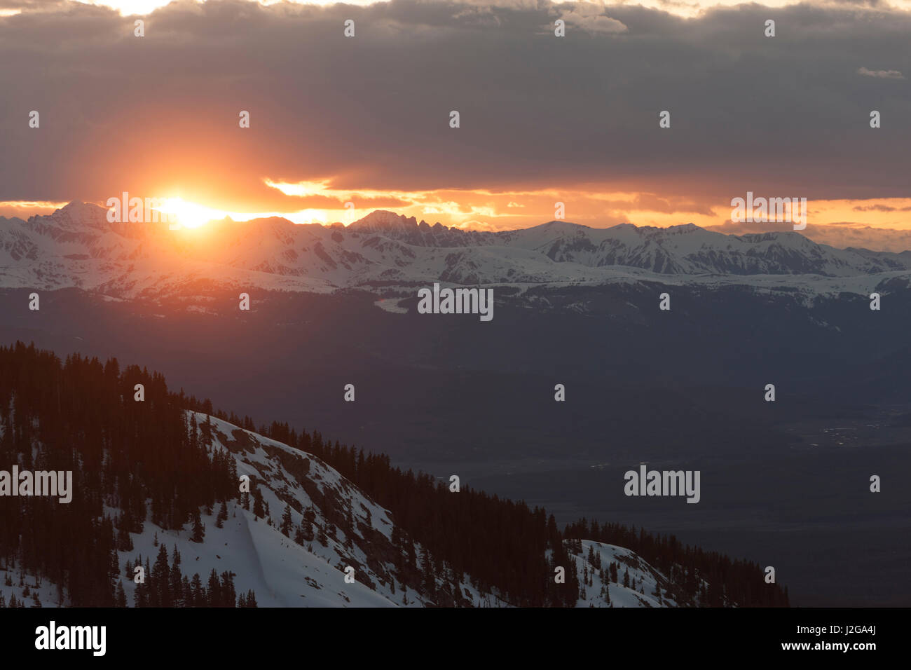 USA, Colorado. Sunset over the Elk Range. Credit as: Don Grall / Jaynes Gallery / DanitaDelimont.com - Stock Image