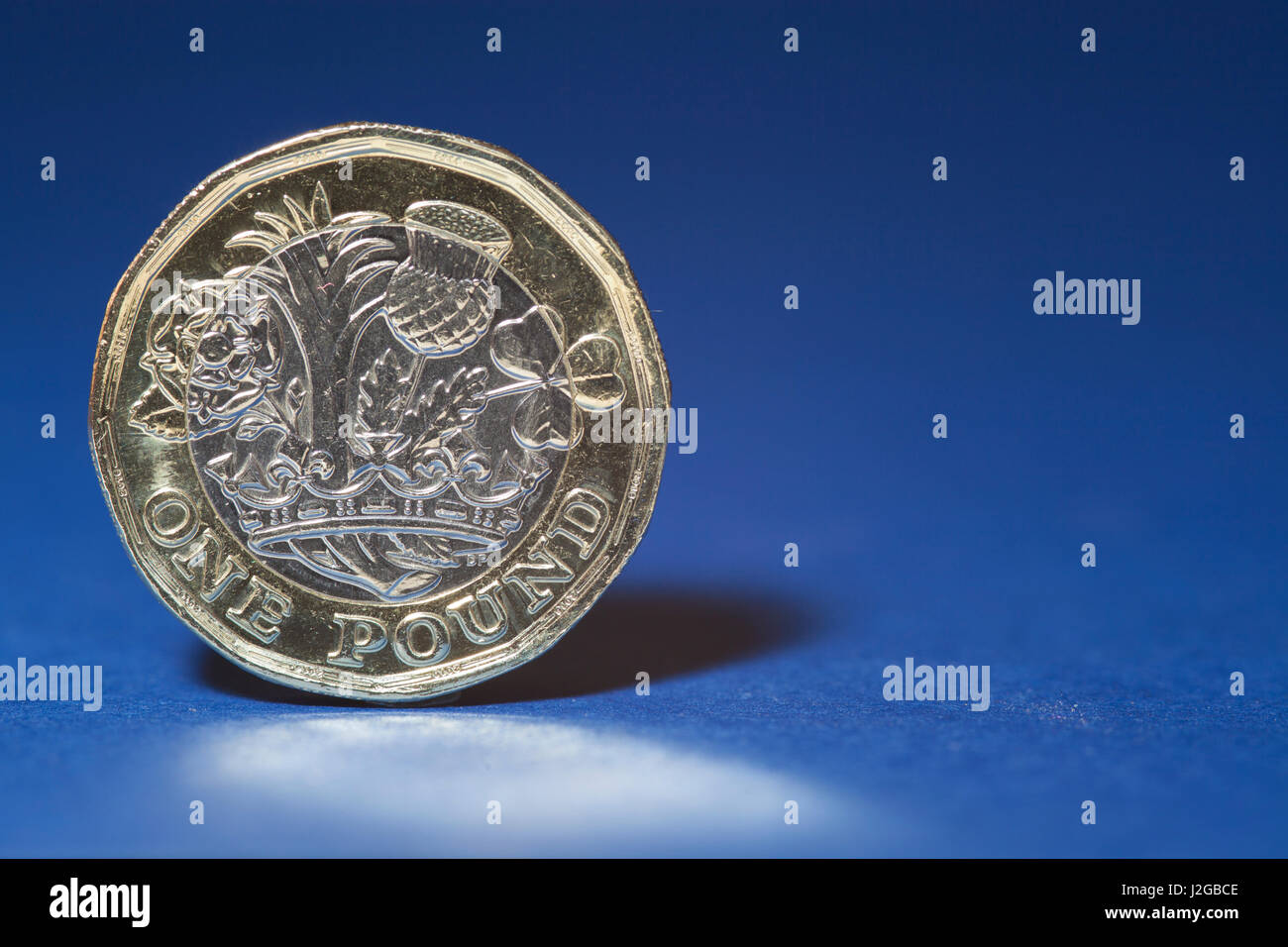 New pound coin 2012, 12 sided - Stock Image