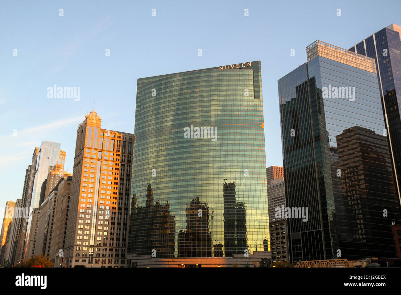 Skyscrapers, including 333 Wacker Drive, Chicago, Illinois, USA. The building was designed by the firm Kohn Pederson - Stock Image