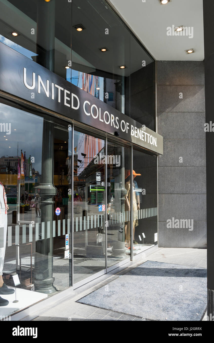 United colors benetton fashion store stock photos united for United colors of benetton online shop outlet