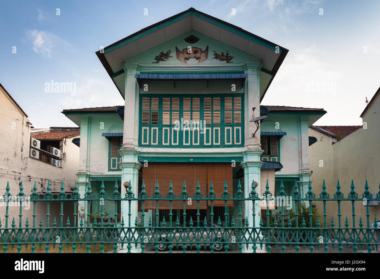 GEORGE TOWN, MALAYSIA - MARCH 22: Facade of the old historical shophouse in George Town on March 22, 2016 in George - Stock Image