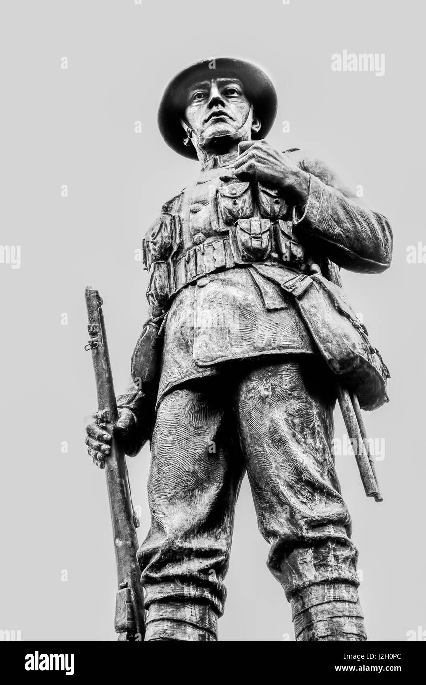 Statue of a First World War British Tommy in full battle uniform - Stock Image