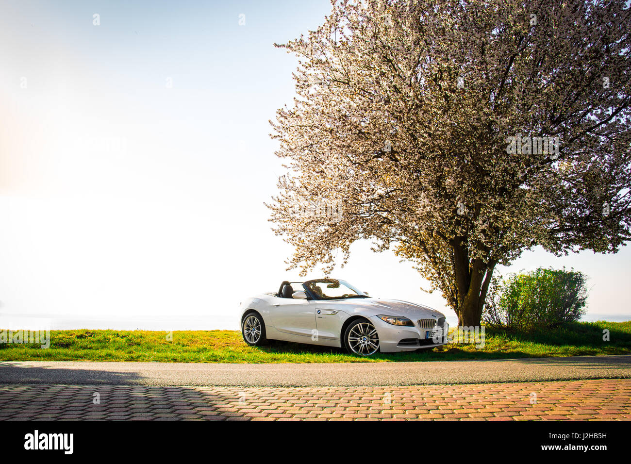 Bmw Z4 Wallpaper High Resolution Stock Photography And Images Alamy