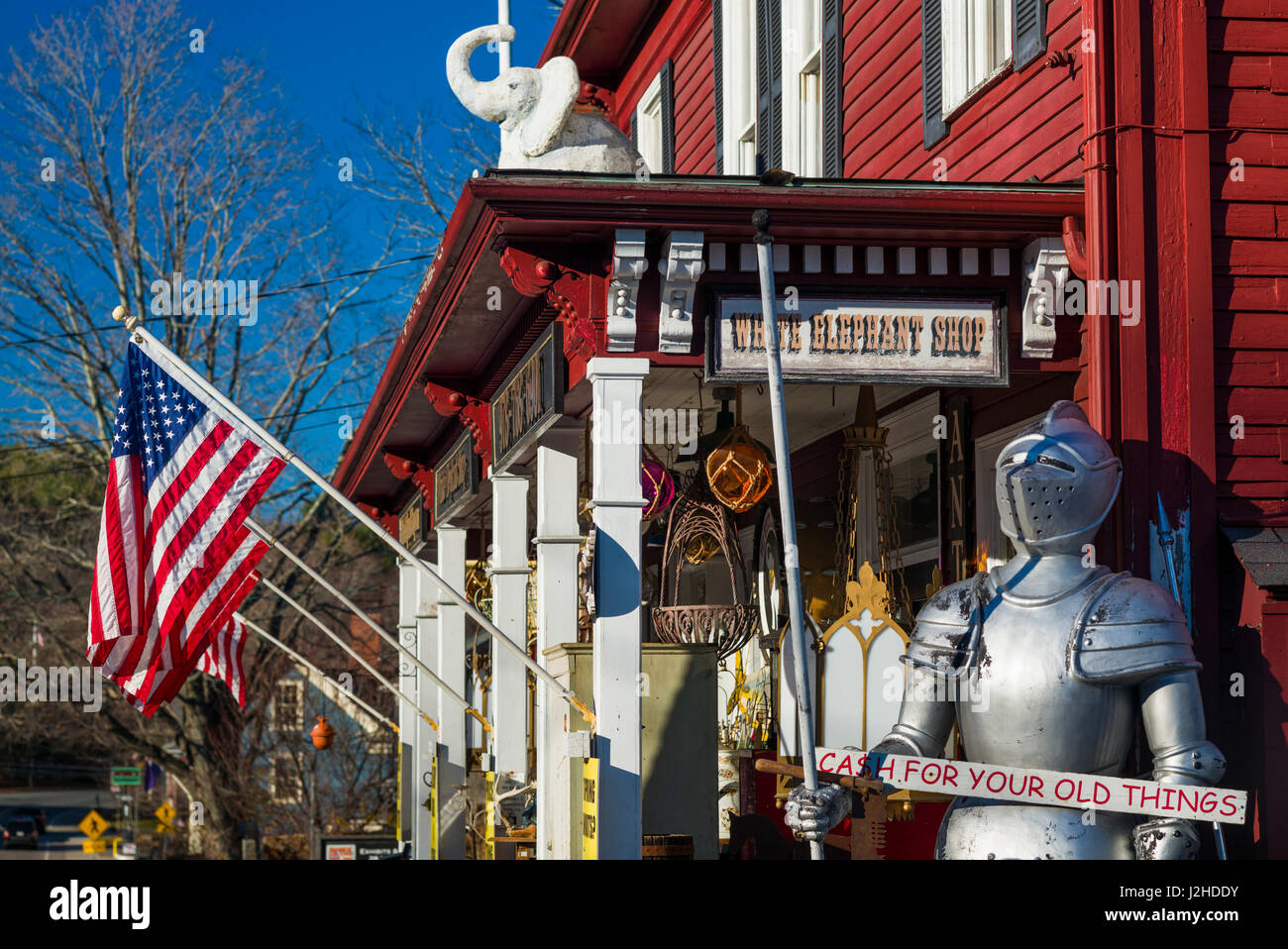 USA, Massachusetts, Essex, antique shop with suit of armor - Stock Image