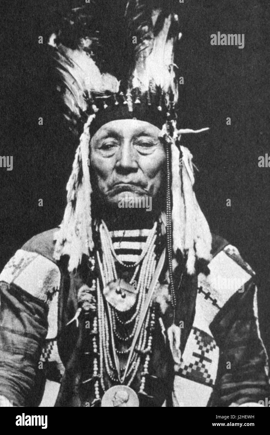 Historic photograph of Blackfeet Chief Curly Bear in 1916 - Stock Image