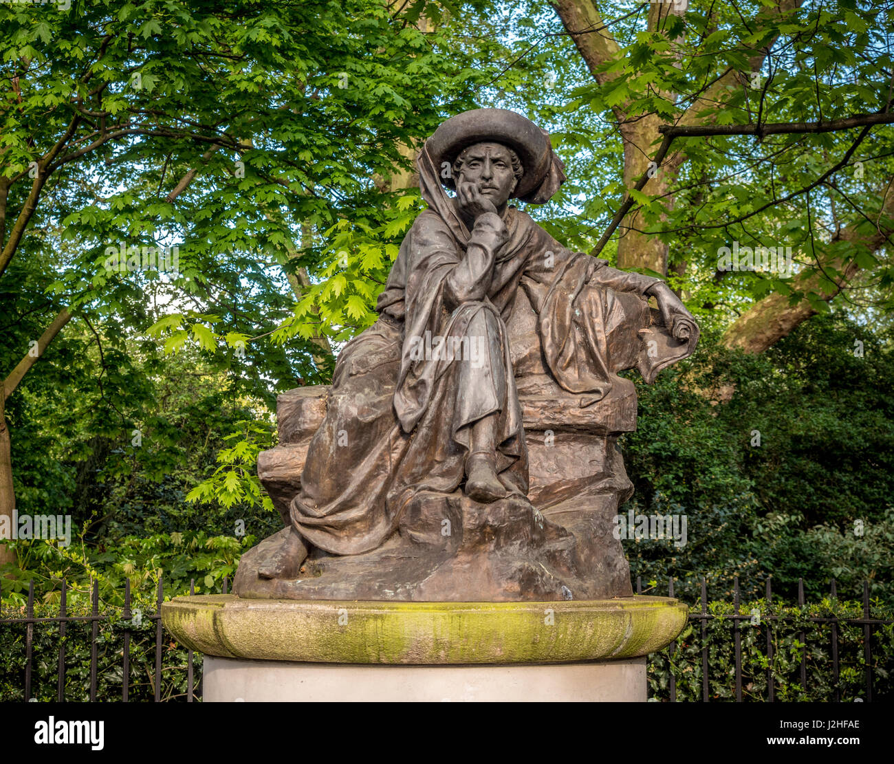 Statue of Prince Henry the Navigator in Belgrave Square, London. By Portuguese sculptor Jose Simoes de Almeida. - Stock Image