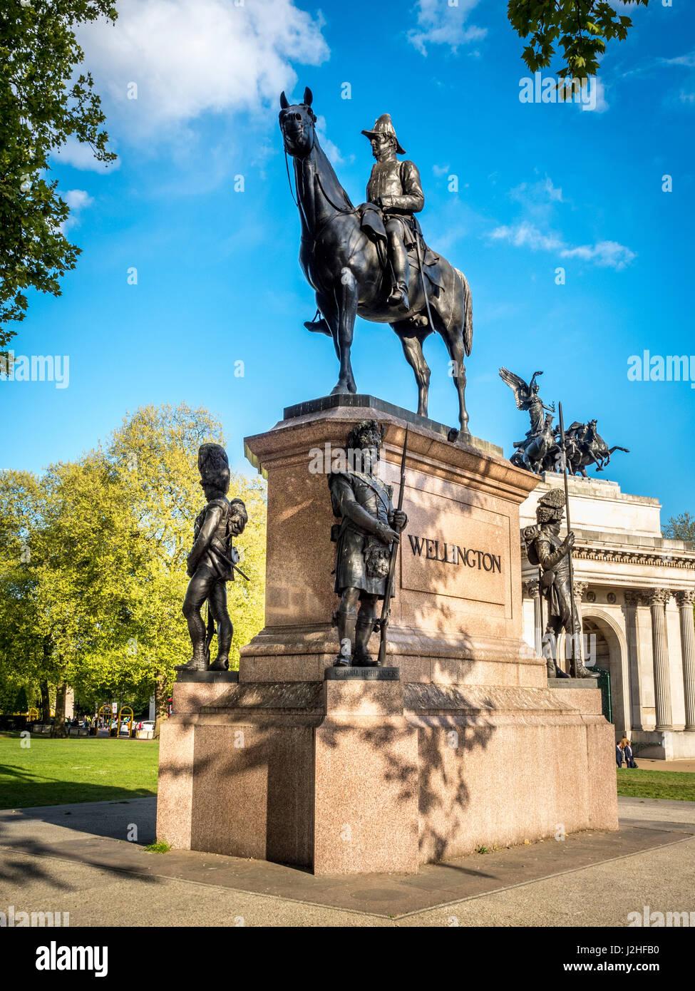 Bronze Equestrian statue of the Duke of Wellington, Hyde Park Corner, London, unveiled in 1888. Sculptor Joseph - Stock Image
