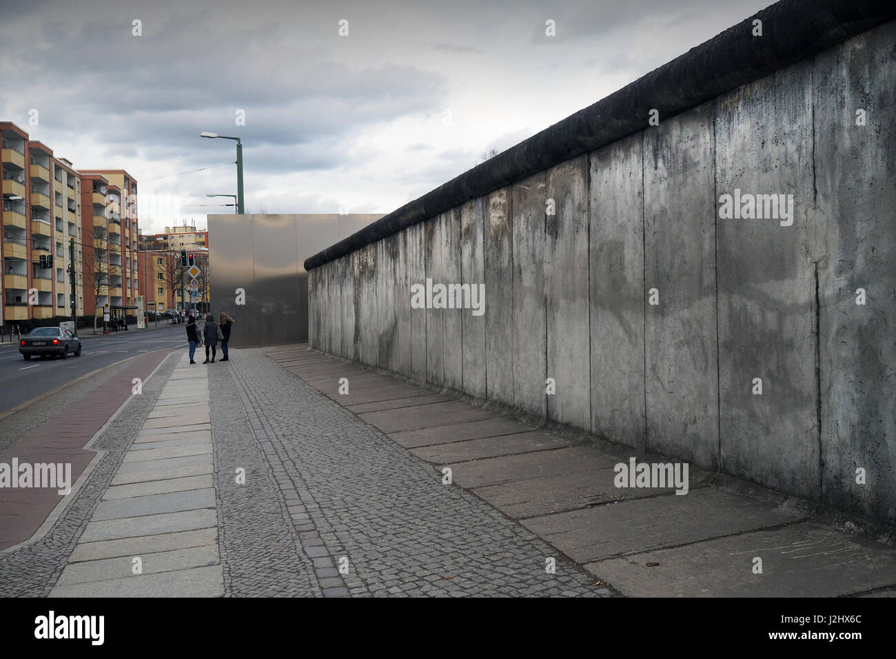 Berlin,Germany: section of Berliner Mauer (Berlin Wall) in Bernauer Strasse. The wall divided Berlin from 1961 to - Stock Image
