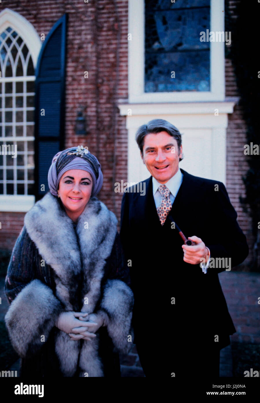 Liz Taylor and John Warner on the day after their wedding at the Episcopal church in Middleburg, Virginia (Large - Stock Image
