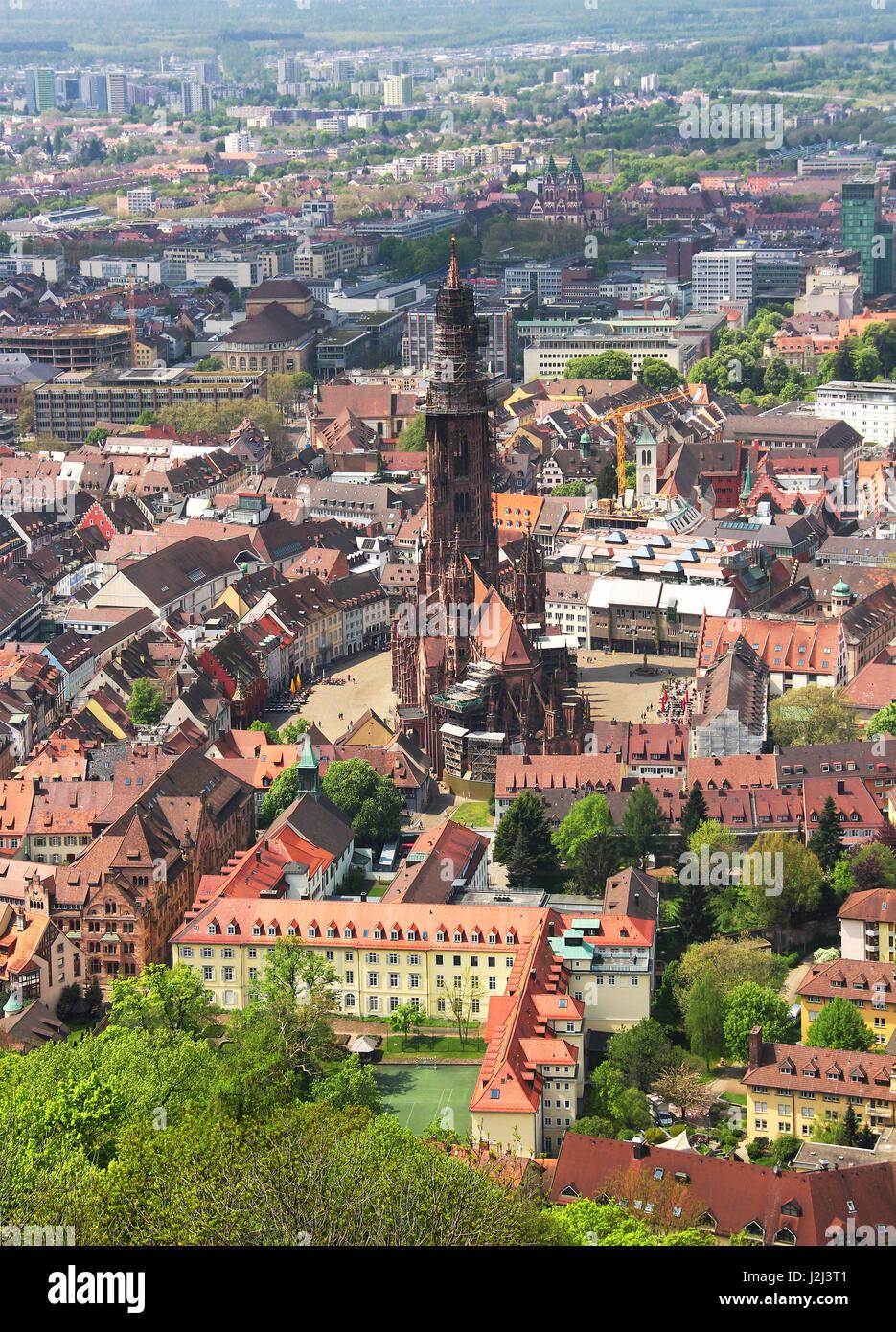 Munster and old town of Freiburg im Breisgau, Baden-Wurttemberg, Germany Stock Photo