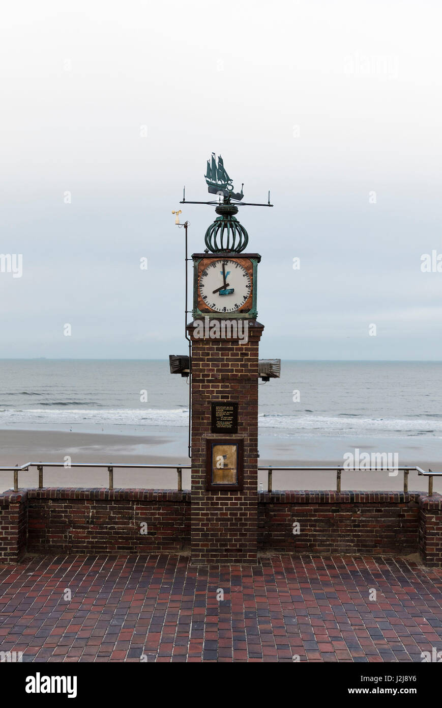 view from the Cafe Pudding on the promenade and the beach at low tide, Wangerooge, winter, Lower Saxony, Germany Stock Photo