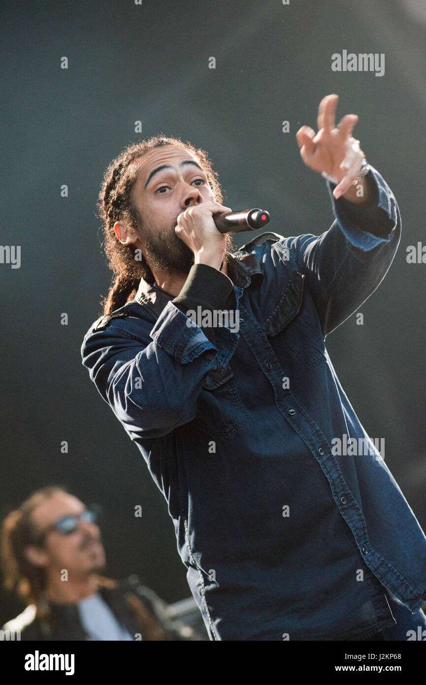 Robin Hill Country Park, Isle of Wight, United Kingdom. 9 September 2016. Damian Jr. Gong Marley performs on the - Stock Image
