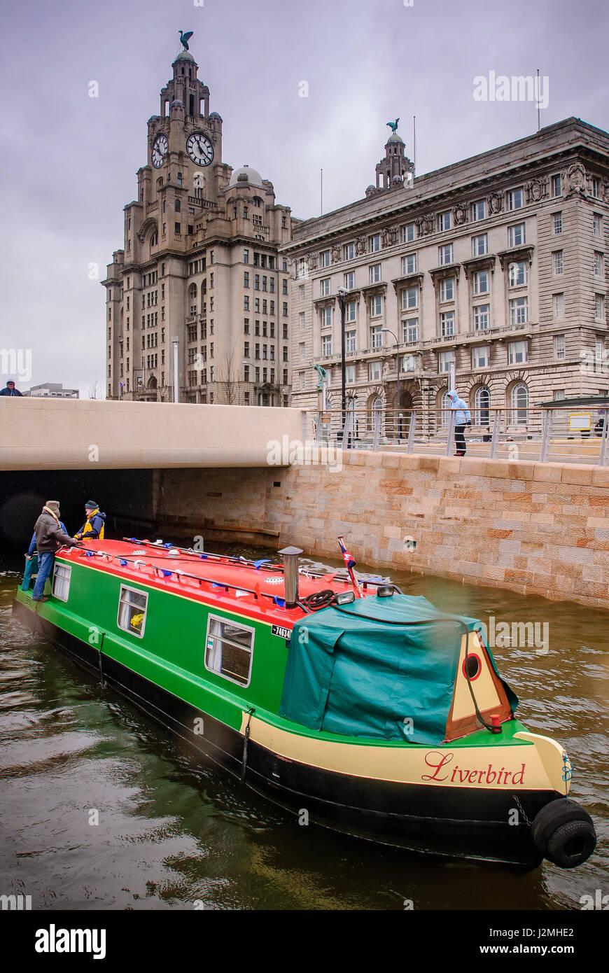 Liverbird narrowboat Liverpool pierhead - Stock Image