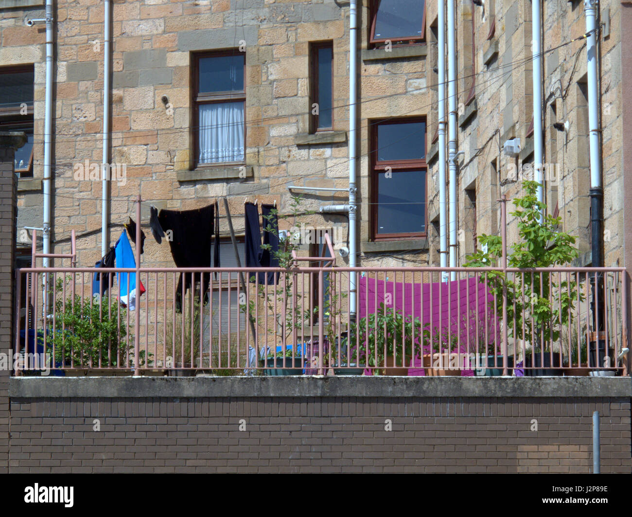 Glasgow tenement back court with washing line Partick area - Stock Image