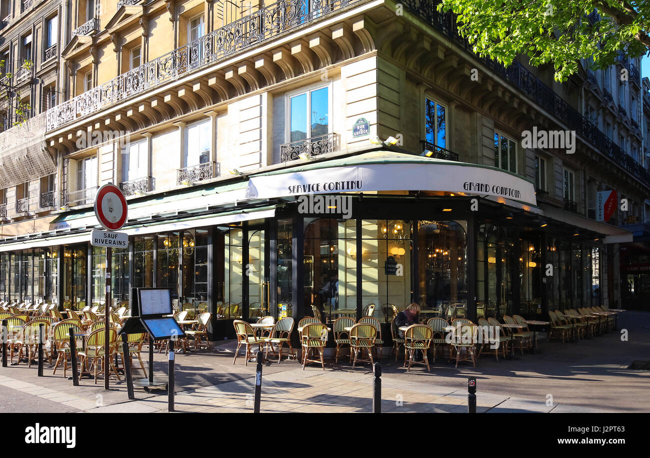 Retro Vintage Cafe Bar Restaurant Paris France High Resolution Stock Photography And Images Alamy