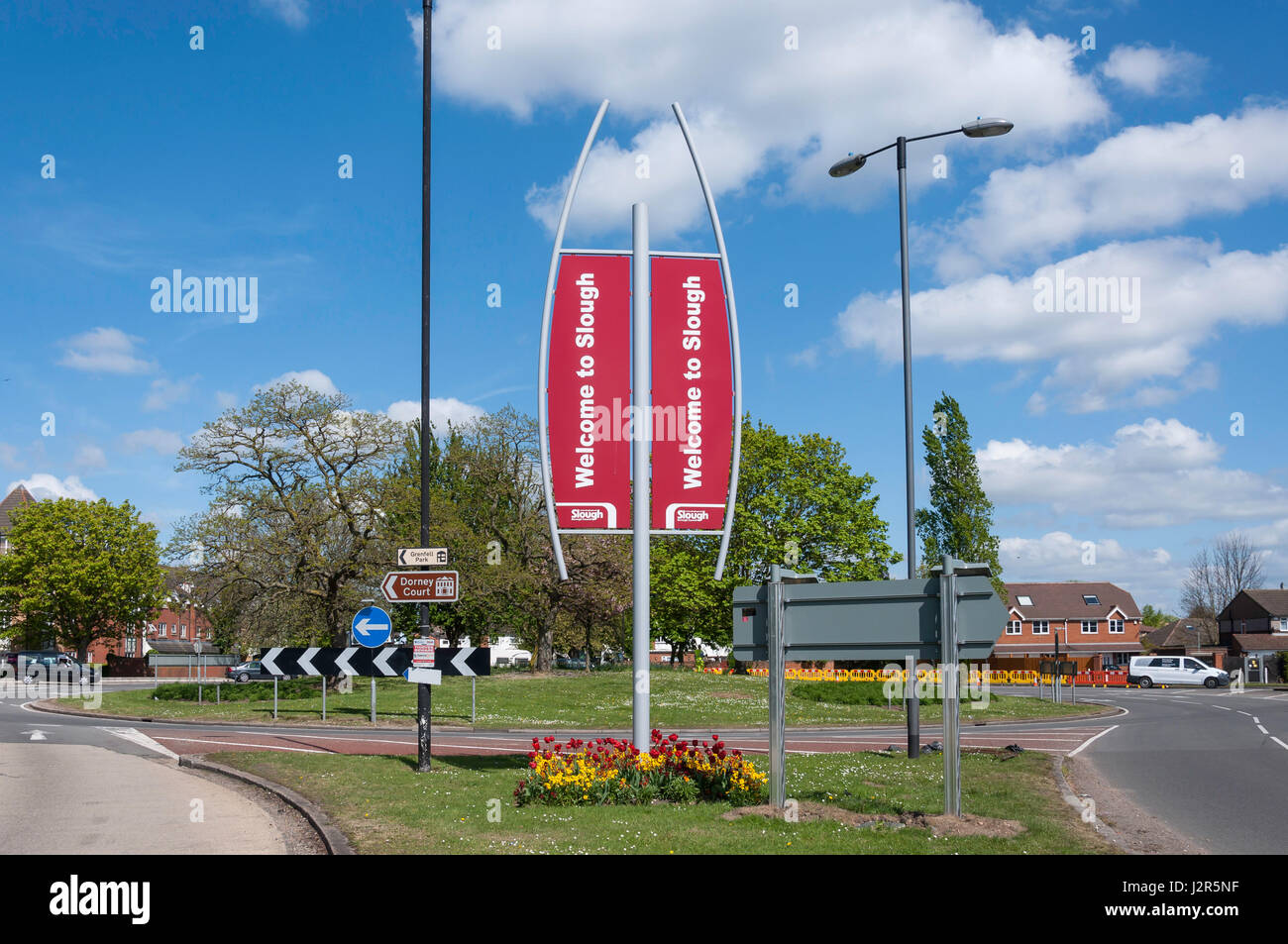 Welcome to Slough\' sign on Bath Road (A4), Slough, Berkshire Stock ...