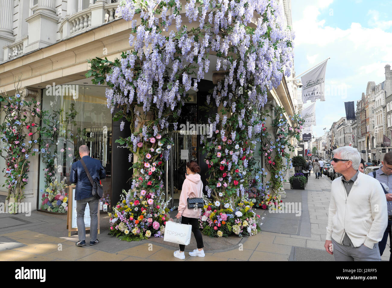 Shop Display Of Artificial Flowers Stock Photos Shop Display Of