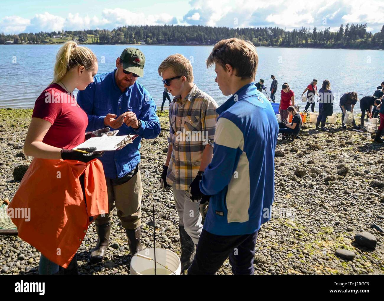 170428-N-VH385-112 INDIAN ISLAND, Wash., (April 28, 2017) – Lyle Britt, a reasearcher with the Alaska Fishery and - Stock Image