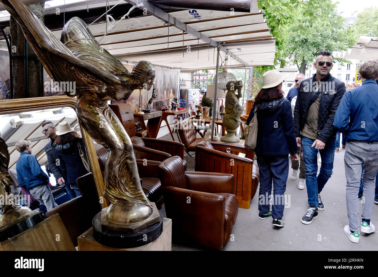 Secondhand trade in avenue de Trudaine, Paris 9th, France - Stock Image
