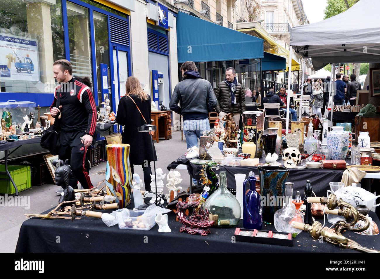 Secondhand trade in avenue de Trudaine, Paris 9th, France Stock Photo
