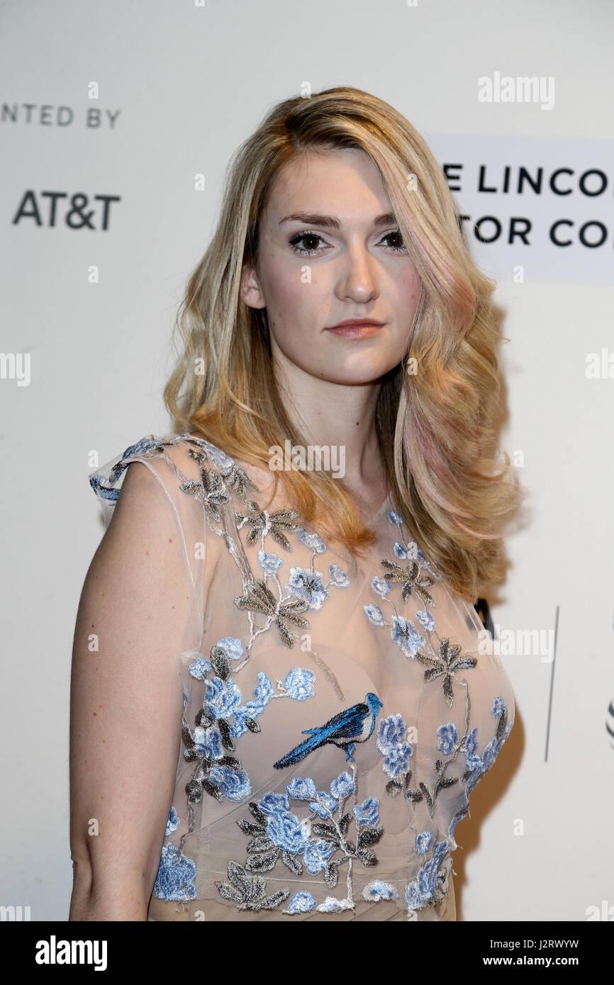 Catherine Corcoran Nude Photos 17