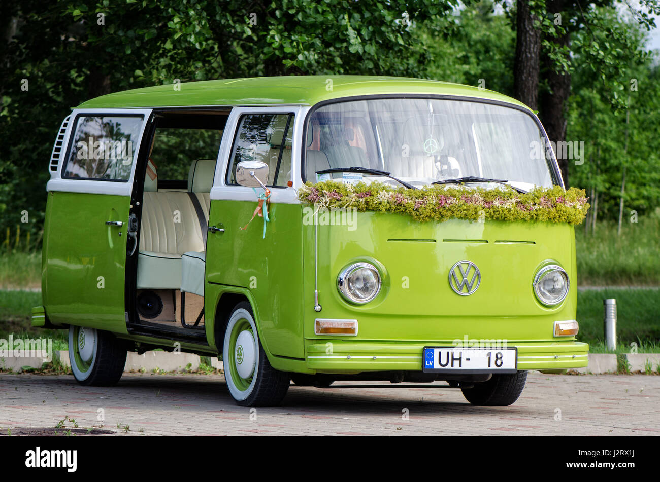 Volkswagen Bus Stock P...