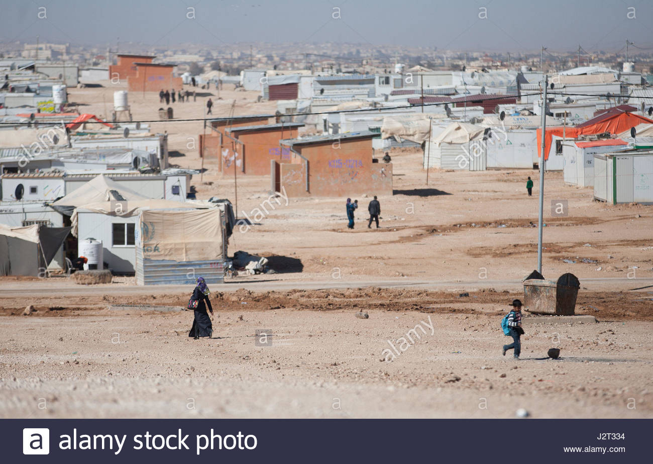 File photo dated 09/12/15 of the Zaatari refugee camp in Jordan. Researchers will begin a three-year project to - Stock Image