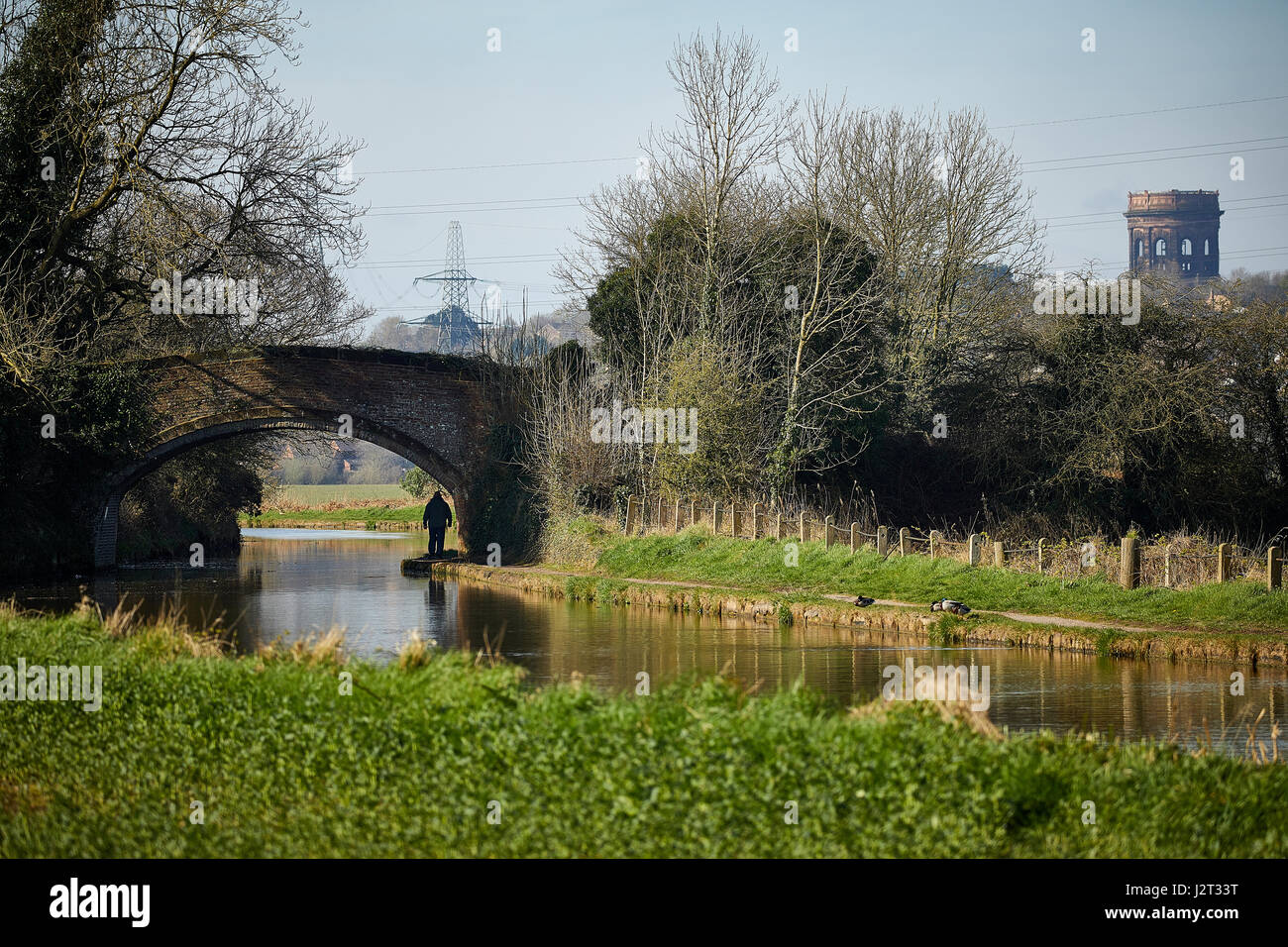 Norton Water Tower in Runcorn from Cheshire Ring Canal, Daresbury, England, nr Warrington - Stock Image