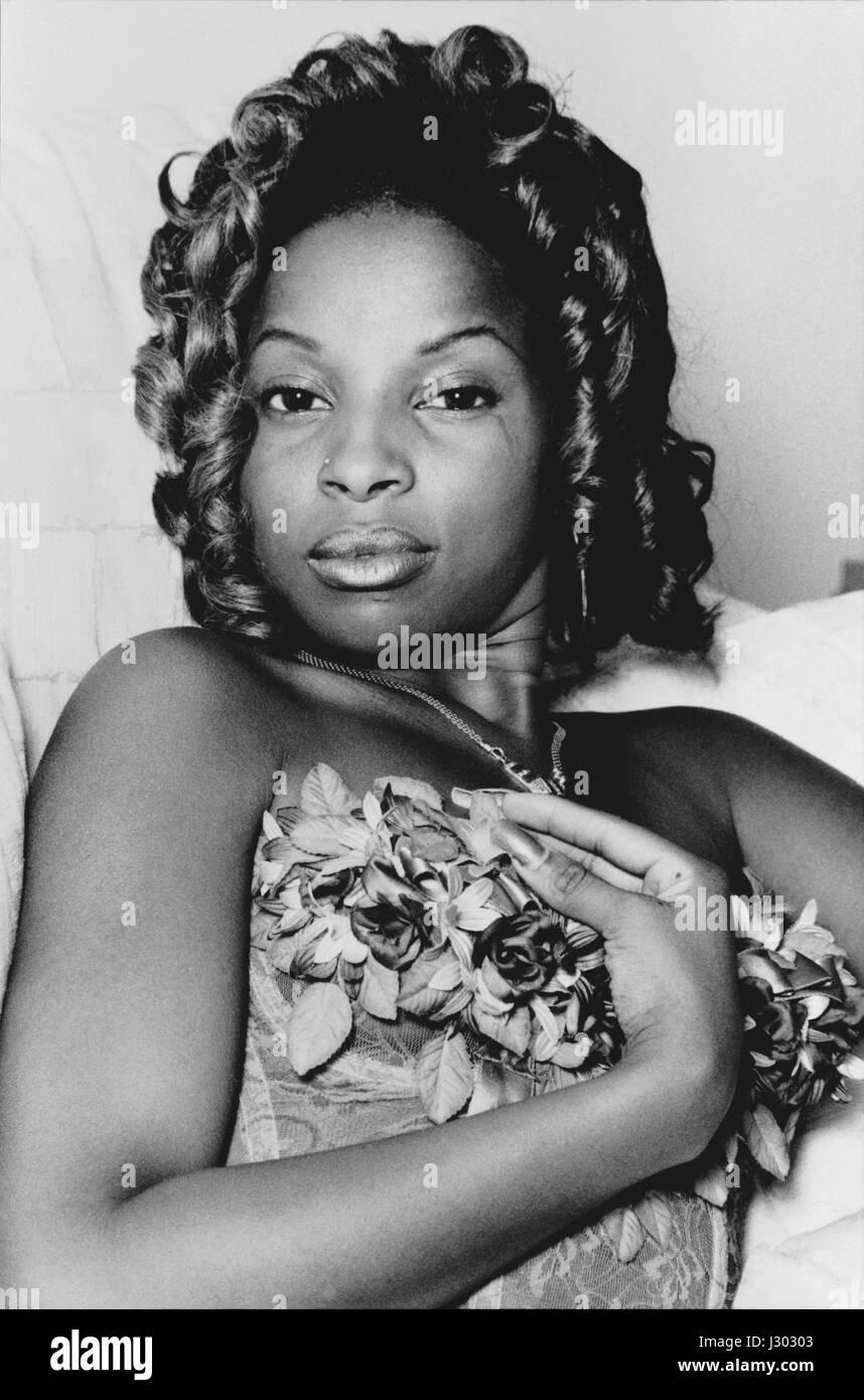 Mary J Blige, Portrait, in Andre Hurrel's house, upper west side, New York City, September 1992 - Stock Image