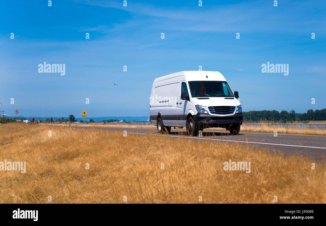 Cargo Van Stock Photos & Cargo Van Stock Images - Alamy