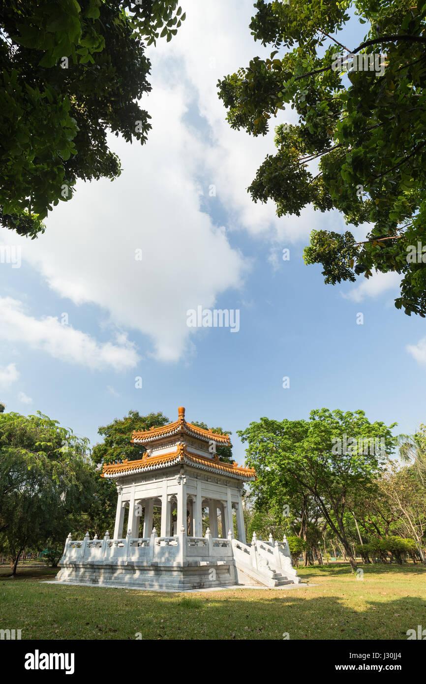 Sino-Thai Friendship Pavilion at the Lumpini (Lumphini) Park in Bangkok, Thailand. - Stock Image