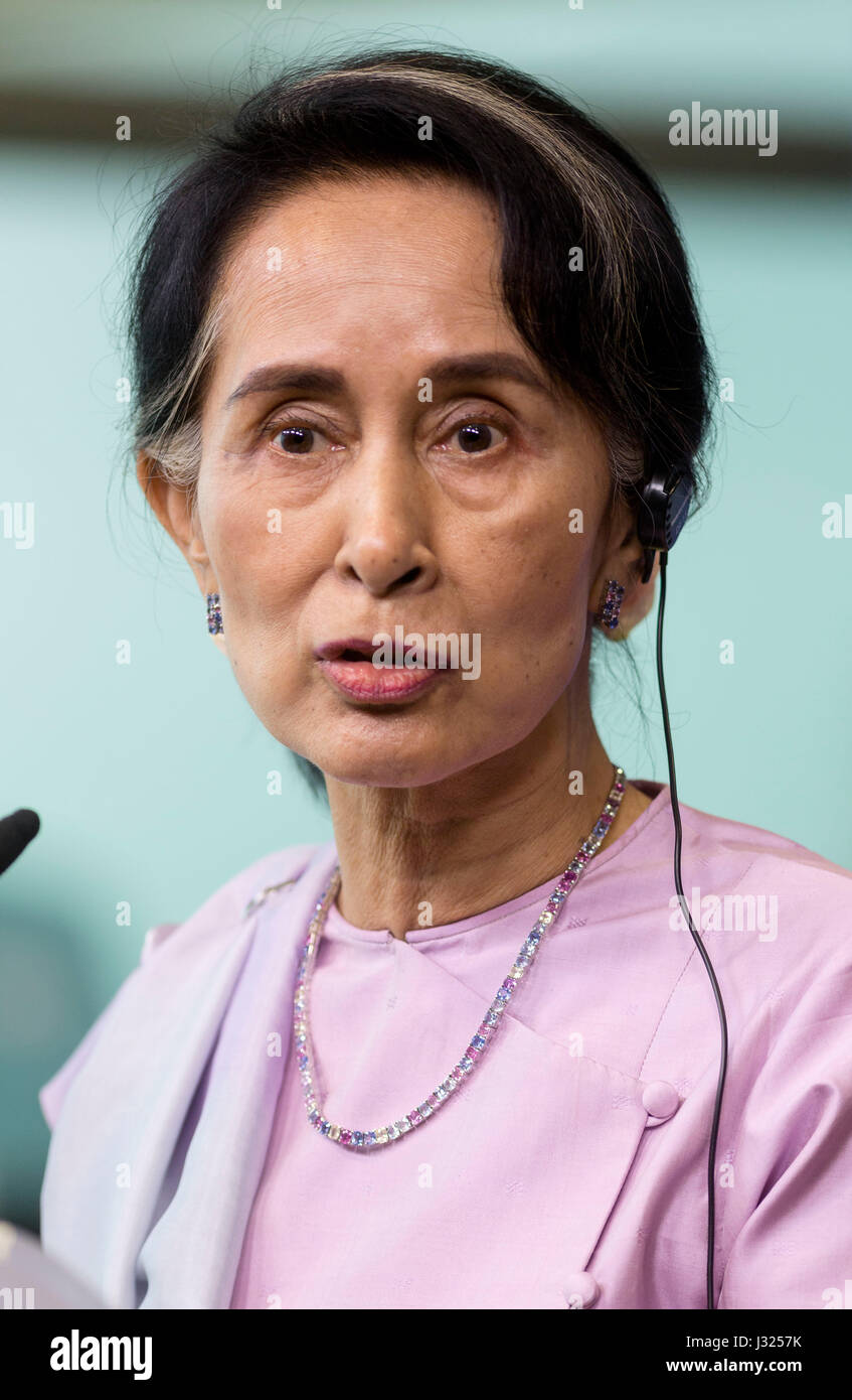 Brussels, Belgium. 2nd May, 2017. Aung San Suu Kyi in Brussels, Belgium, on 2nd May 2017 Credit: Andia/Alamy Live - Stock Image