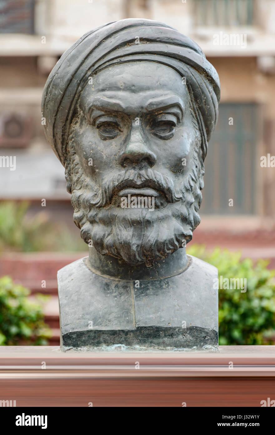 Historical Statue of Egyptian Revolution Speaker Abdullah Al Nadeem - Stock Image
