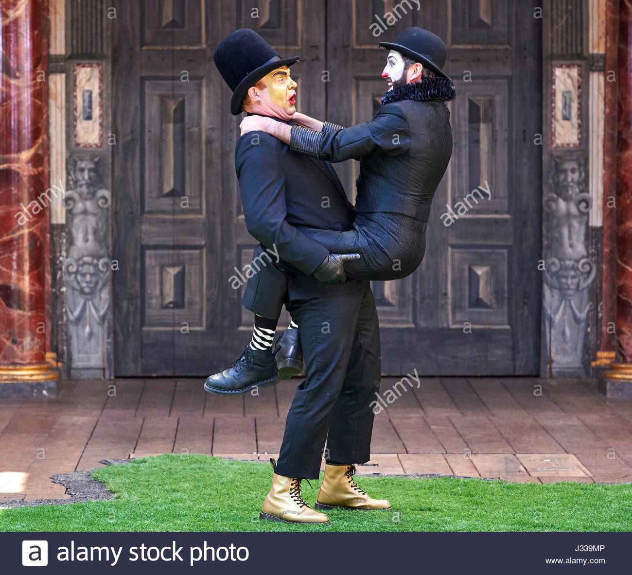 Romeo and Juliet by William Shakespeare. A  Shakespeare's Globe   Production directed by Tim Chipping as Paris, - Stock Image