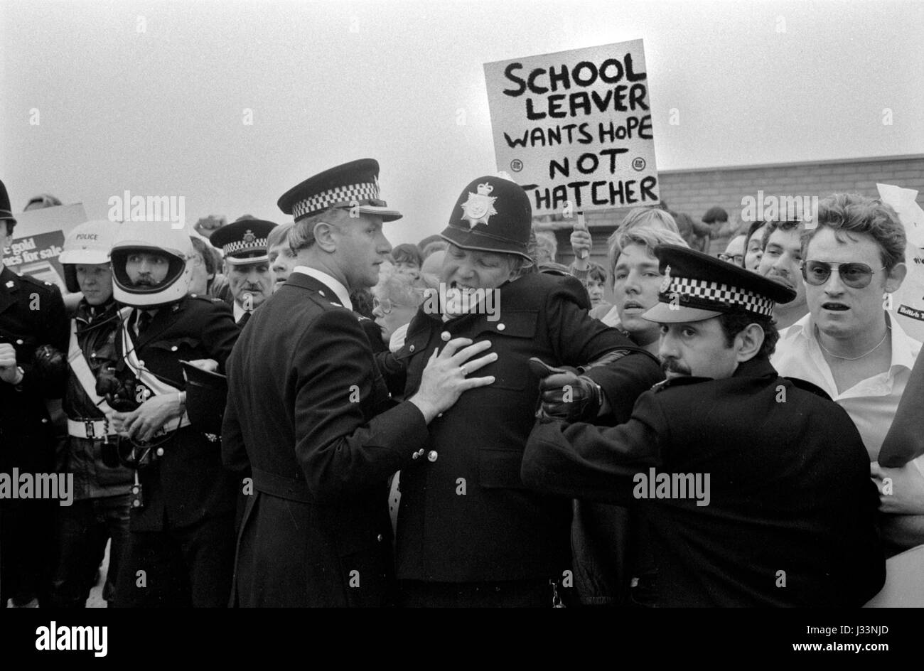 General Election 1983 Uk Thatcher unemployment demonstration about job prospects for school leavers 1980s `Thatchers - Stock Image