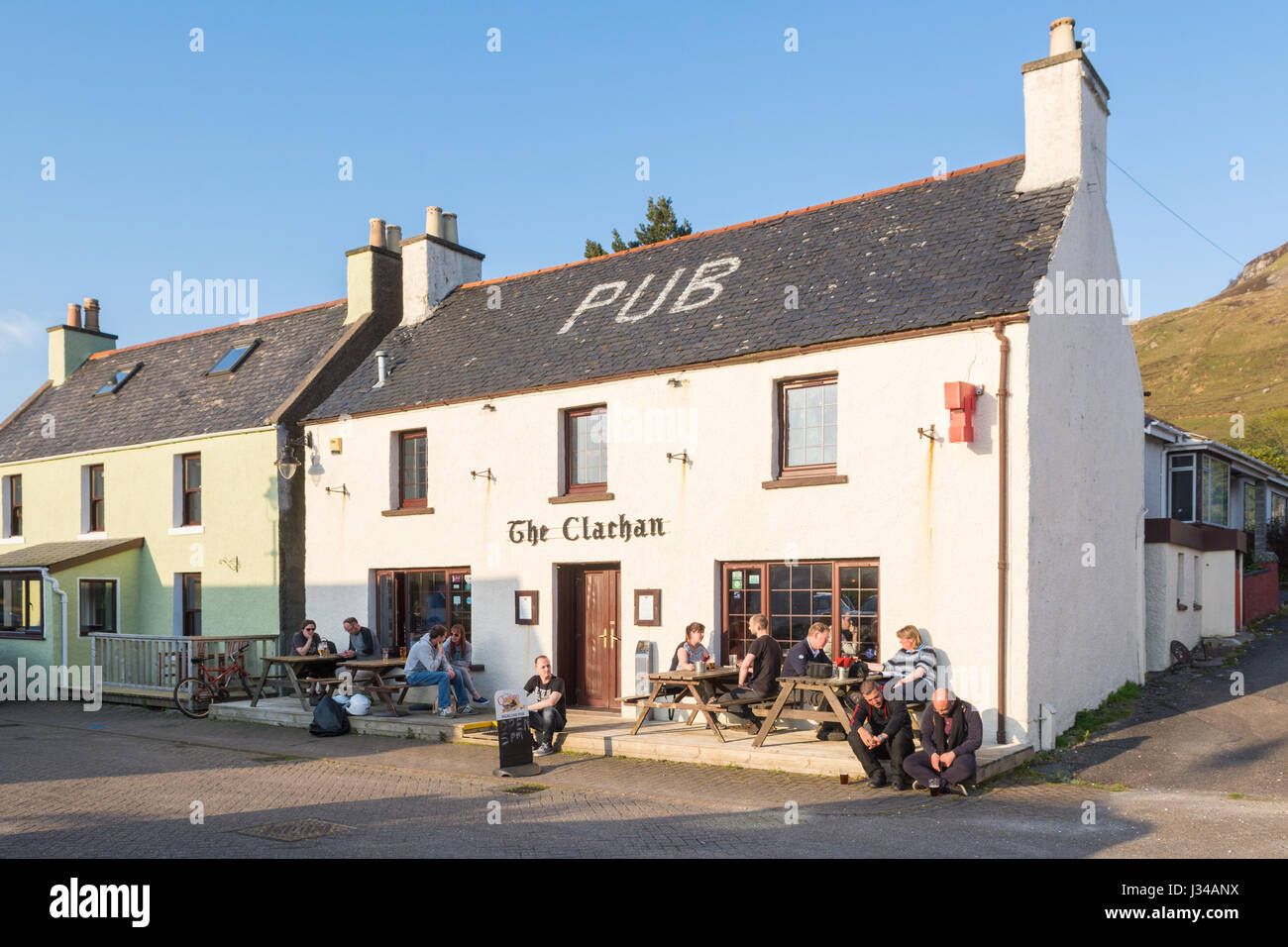 Pub at Dornie, a former fishing village in Highland, Scotland - The Clachan - Stock Image