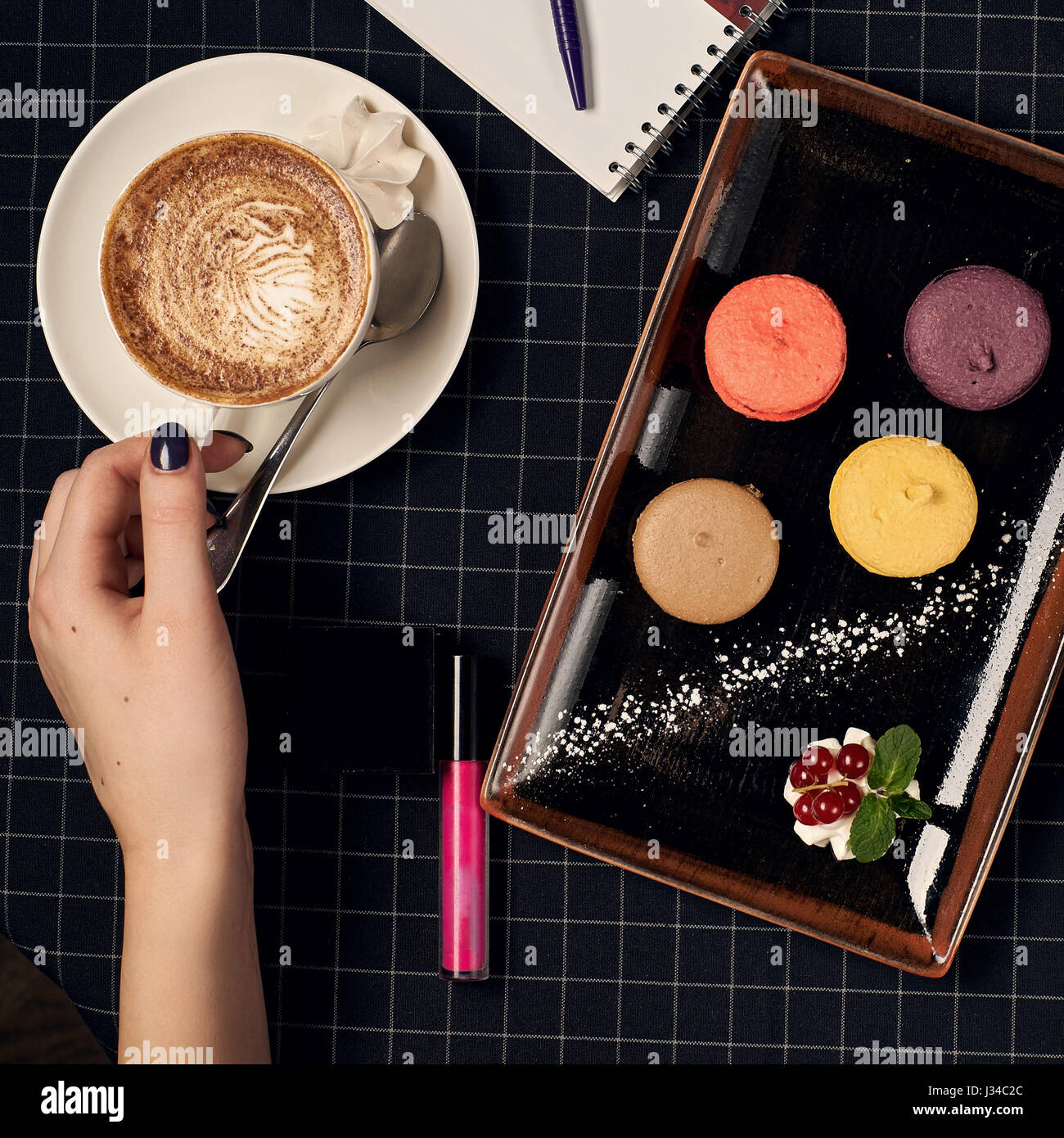 Coffee with macaroons - Stock Image