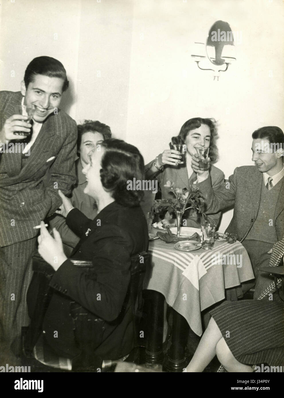 Youngsters at a party, Italy 1954 - Stock Image