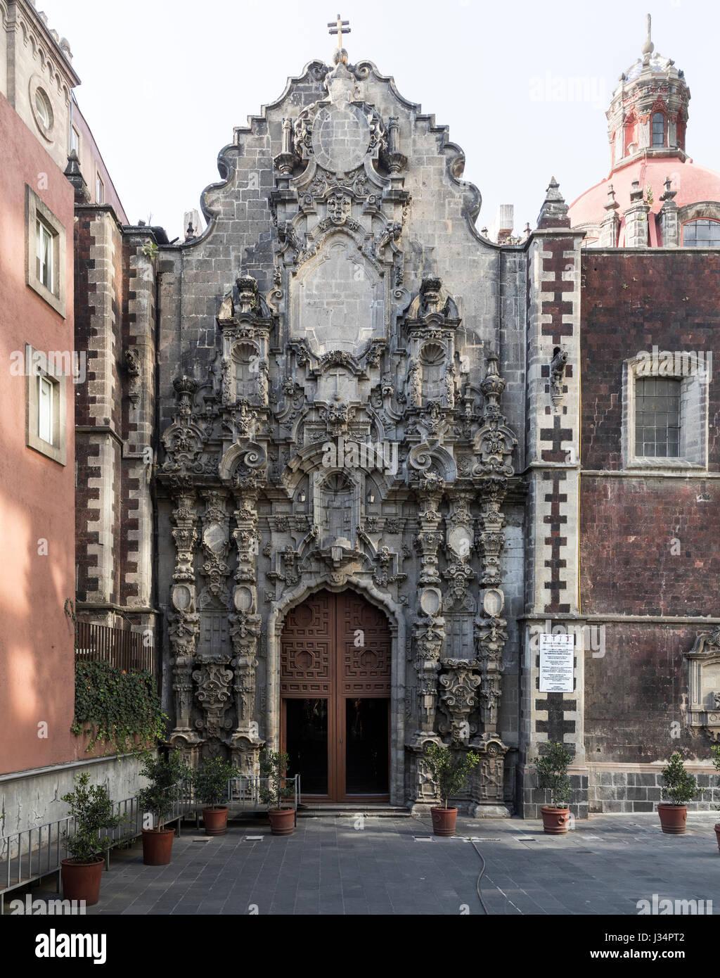 Mexico City, Mexico - 22 April 2017: Facade of Colonial era St Francis Church, Avenue Francisco Madero in the historic - Stock Image