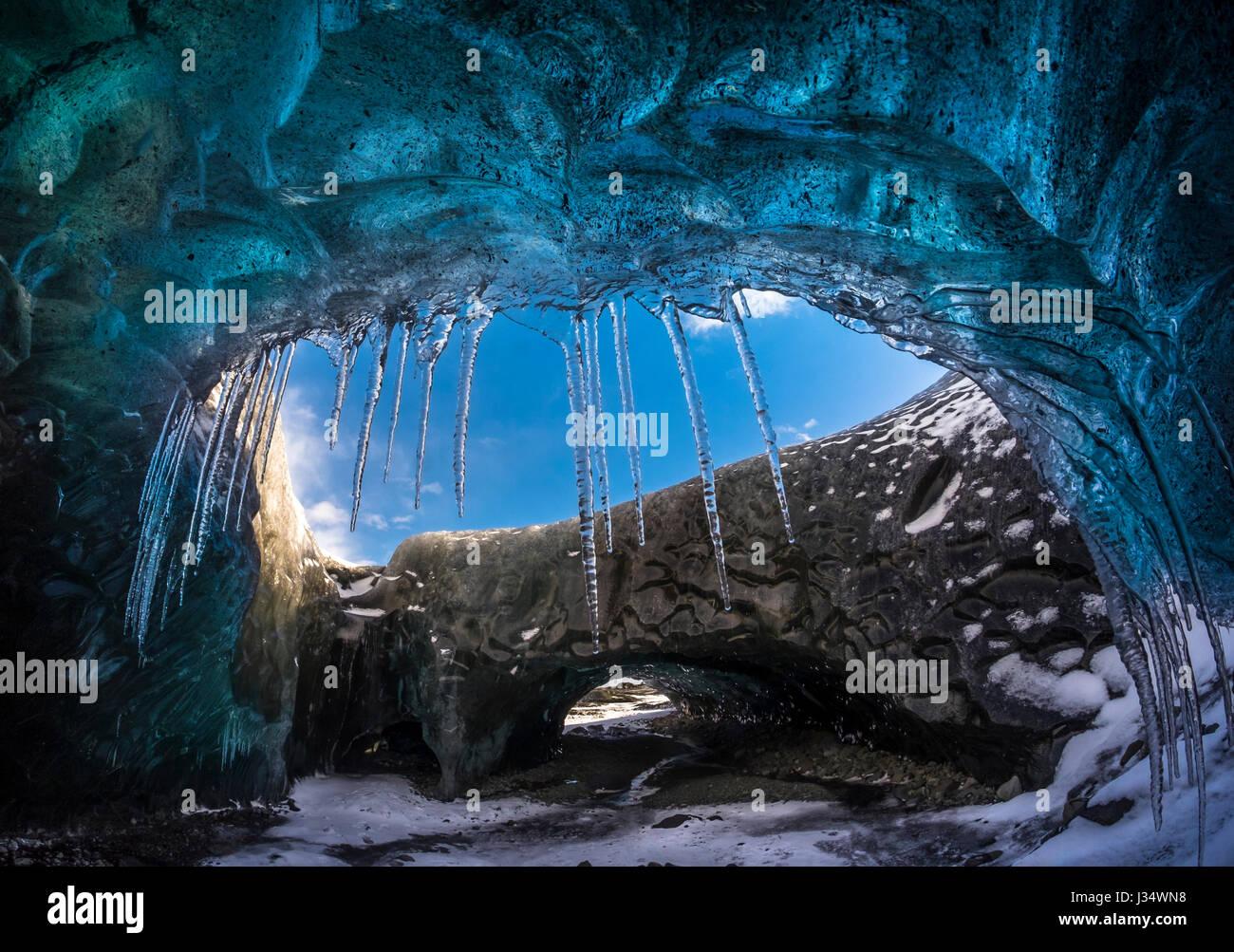 JOKULSARLON, ICELAND - CIRCA MARCH 2015: Ice cave near the Glacial Lagoon in the  Vatnajökull National Park - Stock Image