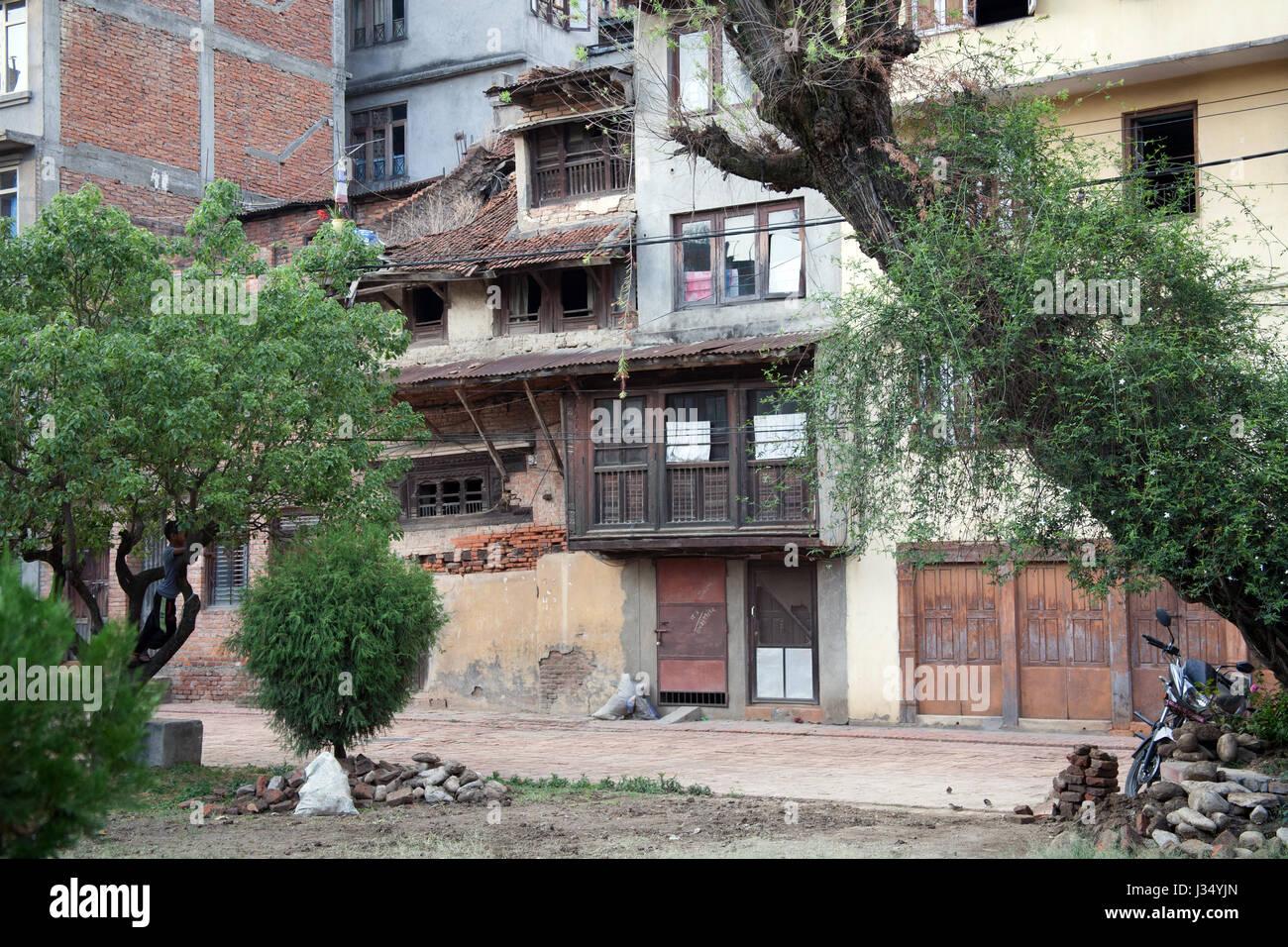 Ramshackle buildings in a square in Patan, Kathmandu, Nepal - Stock Image