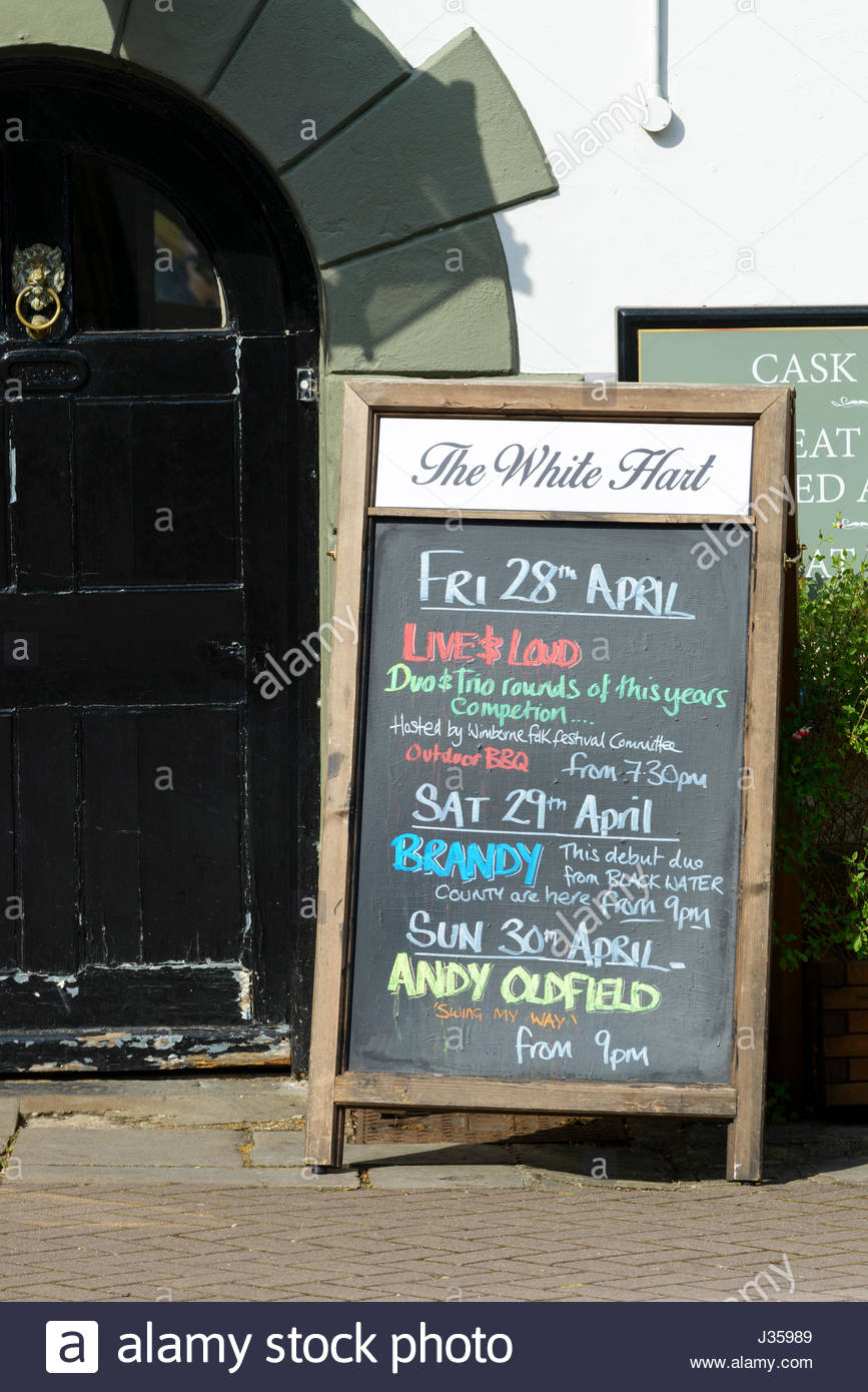 Pub blackboard, Wimborne Minster, Dorset, England - Stock Image
