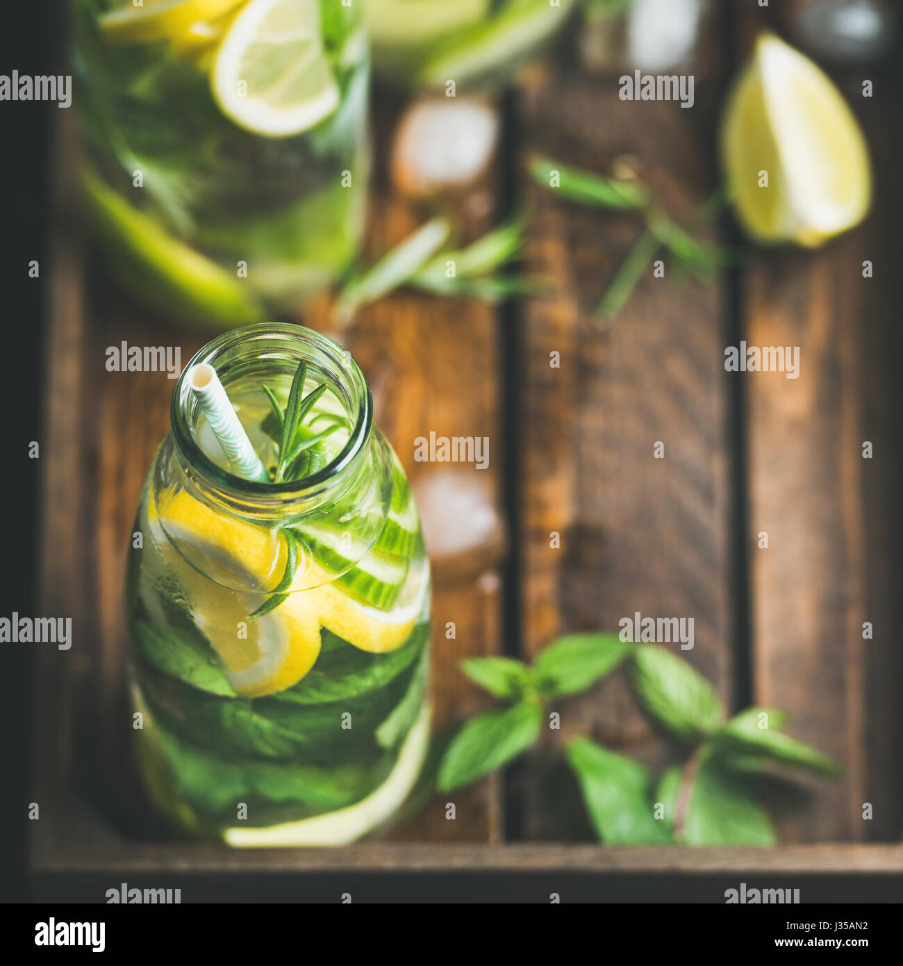 Citrus fruit and herbs infused sassi water for dieting - Stock Image