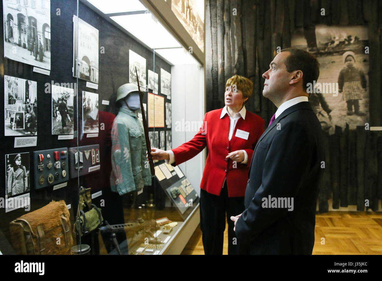 Smolensk, Russia. 3rd May, 2017. Russia's Prime Minister Dmitry Medvedev looks at showpieces on display at a - Stock Image