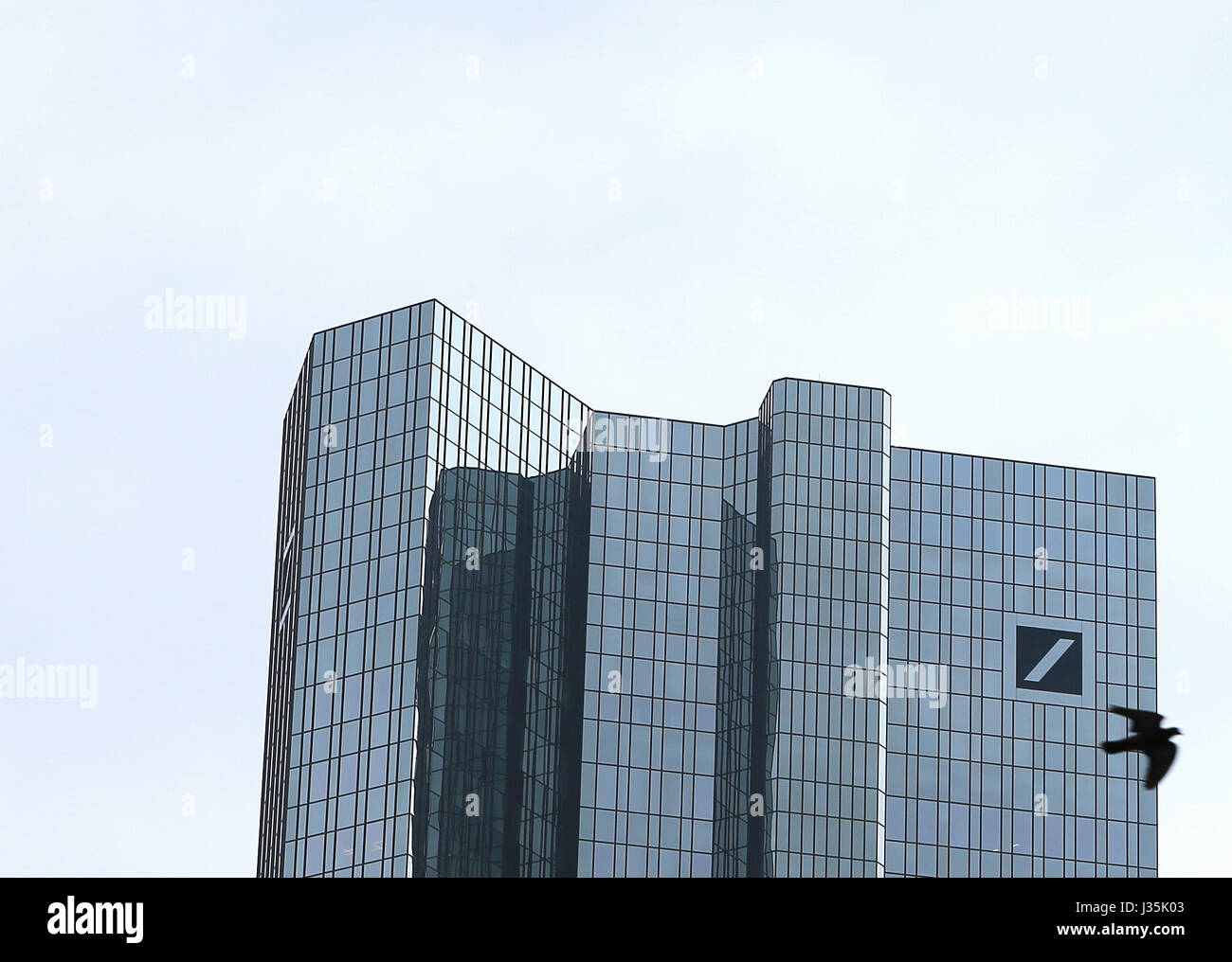 Frankfurt. 3rd May, 2017. Photo taken on May 3, 2017 in Frankfurt, Germany shows the tower of the Deutsche Bank. - Stock Image