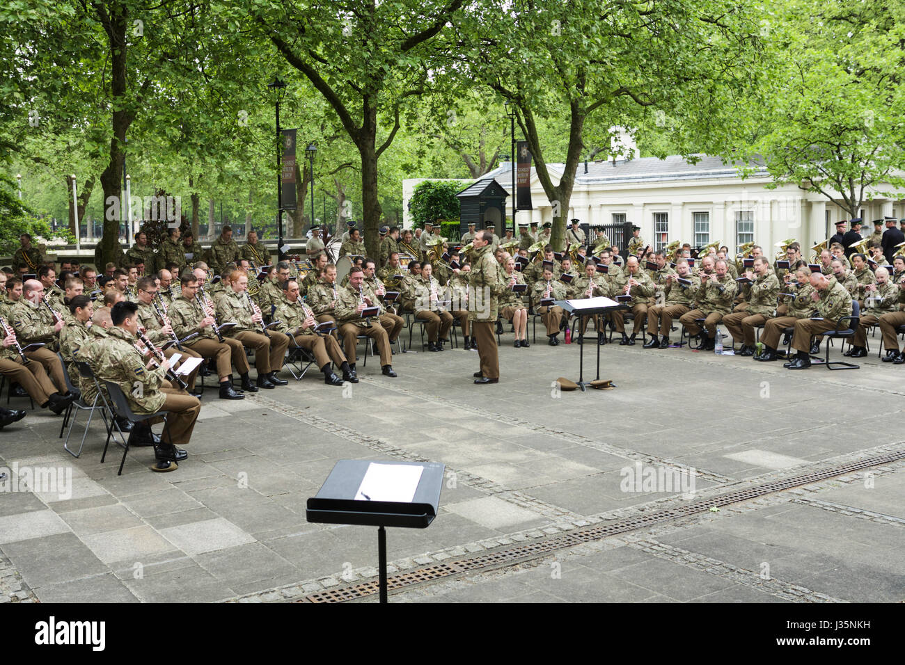 Practice makes perfect - Birdcage Walk, London, UK. 3rd May, 2017. Guards of the Massed Bands Household Division Stock Photo