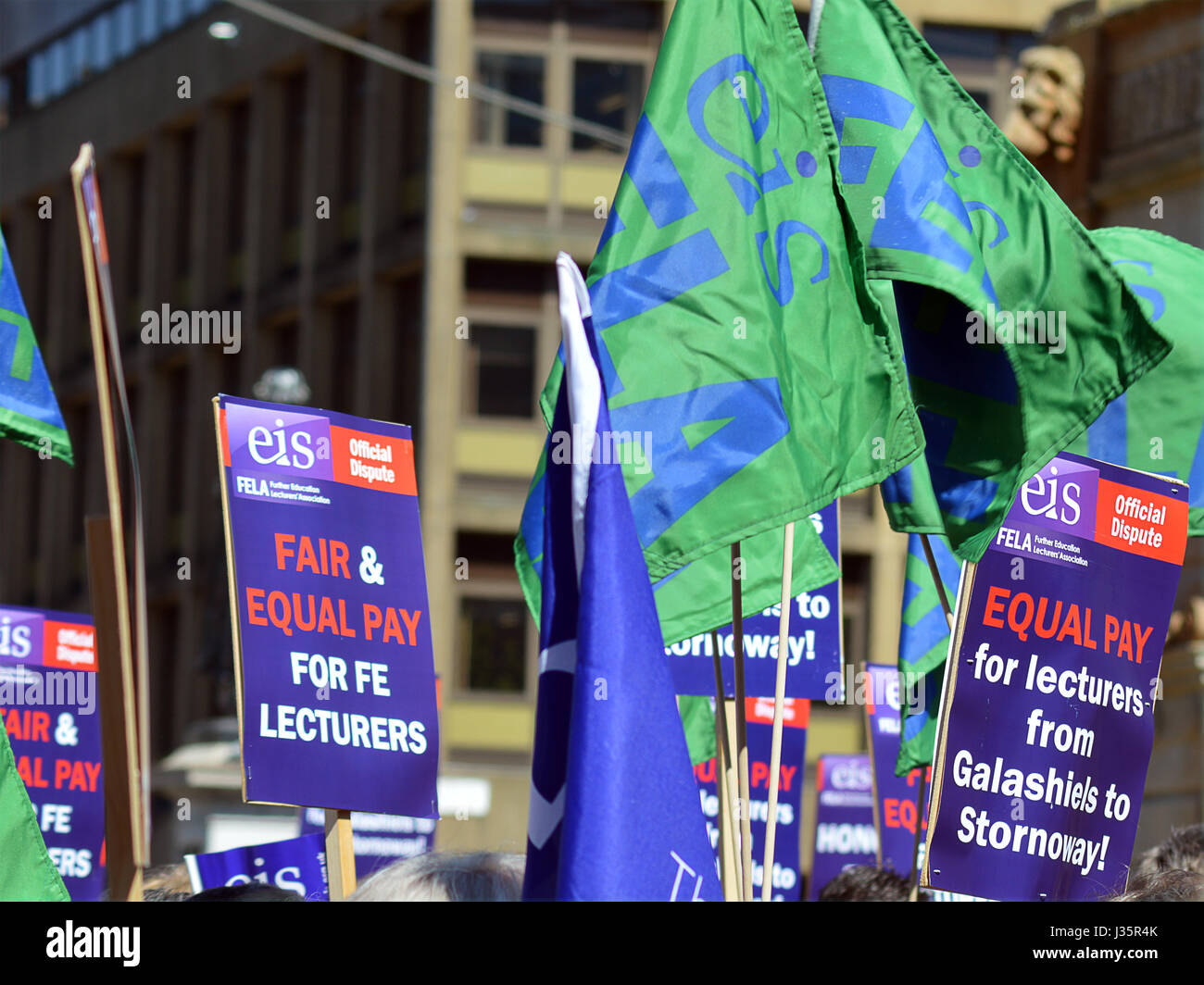 Glasgow, Scotland, UK. 3rd May, 2017. Further Education lecturers from the EIS trade union protest in George Square.Glasgow - Stock Image