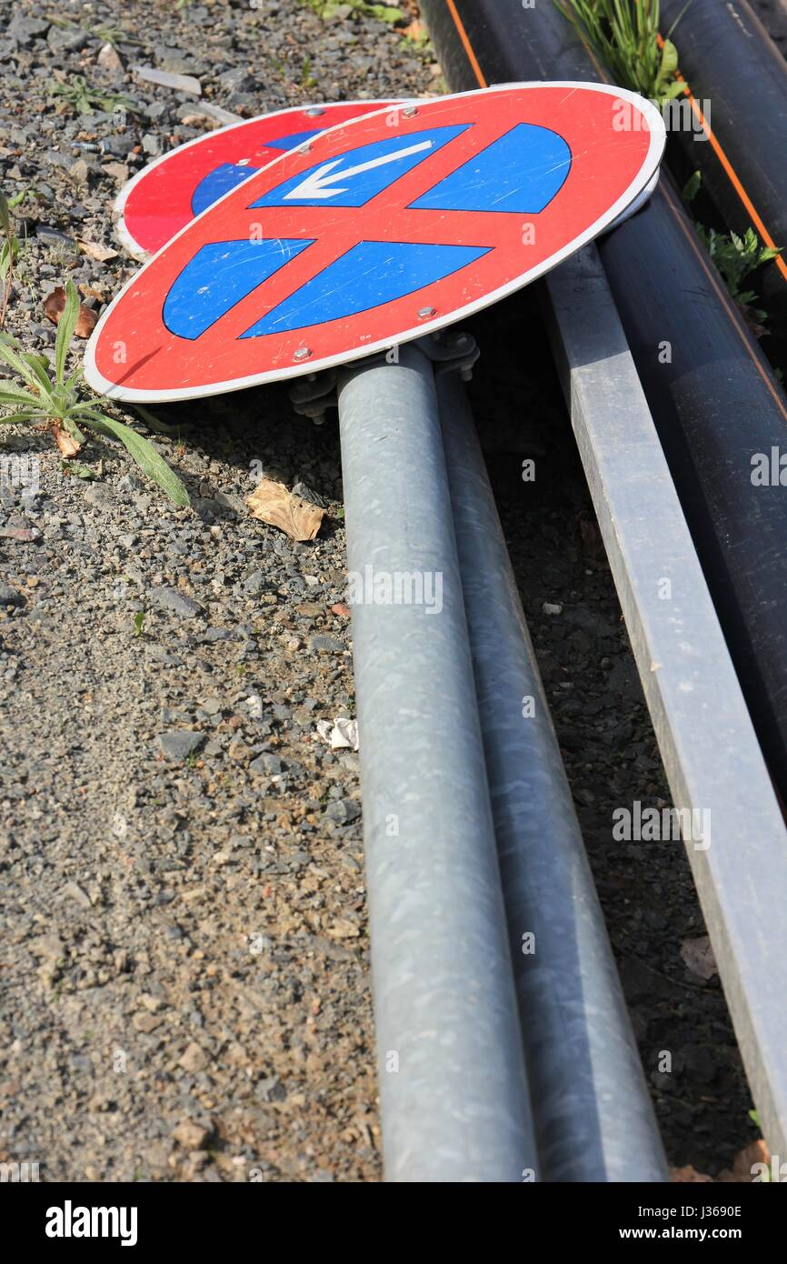 German road sign: no stopping - Stock Image