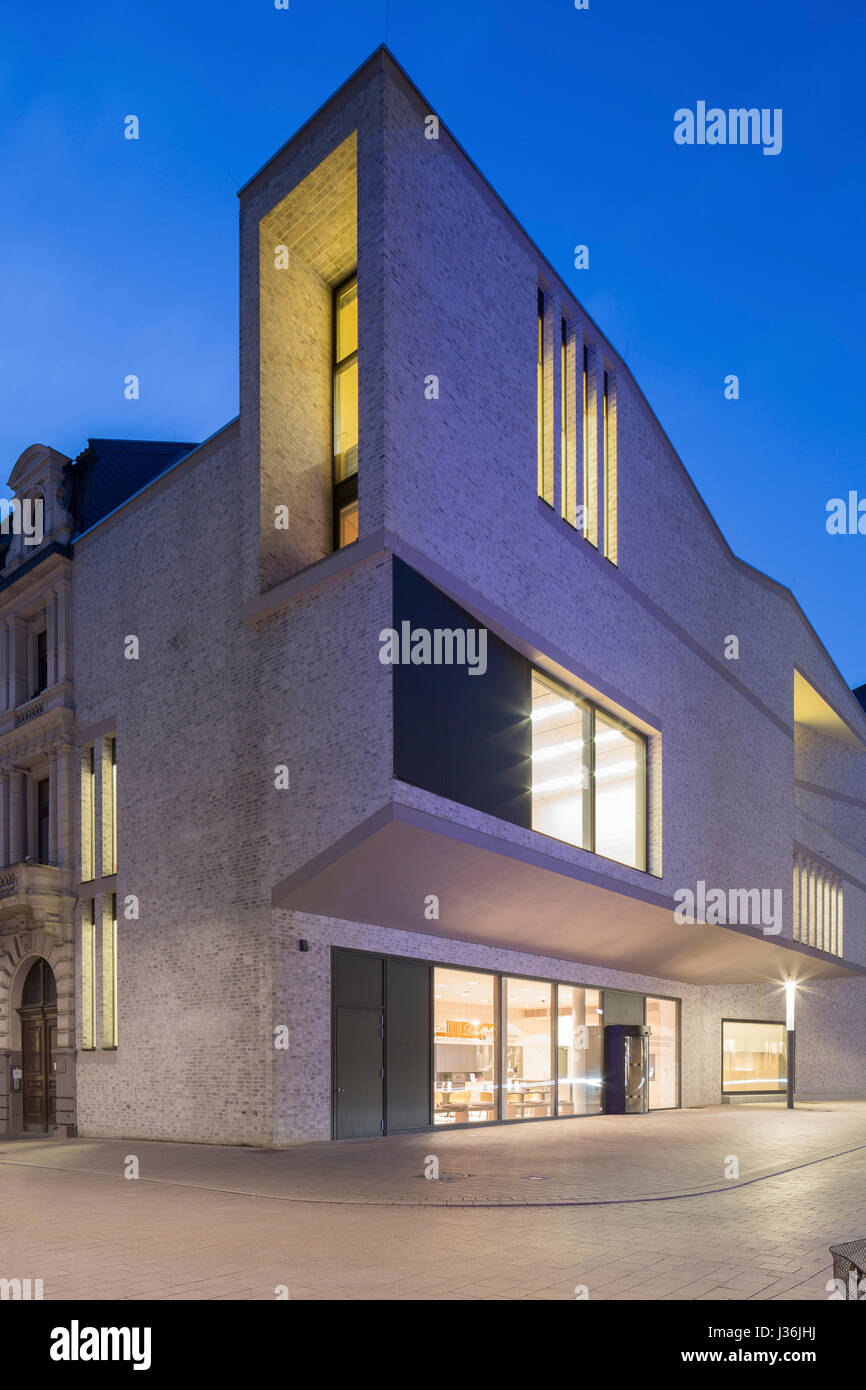 Corner elevation of main entrance on public square. Haus der Bildung - Municipal Library Bonn, Bonn, Germany. Architect: - Stock Image