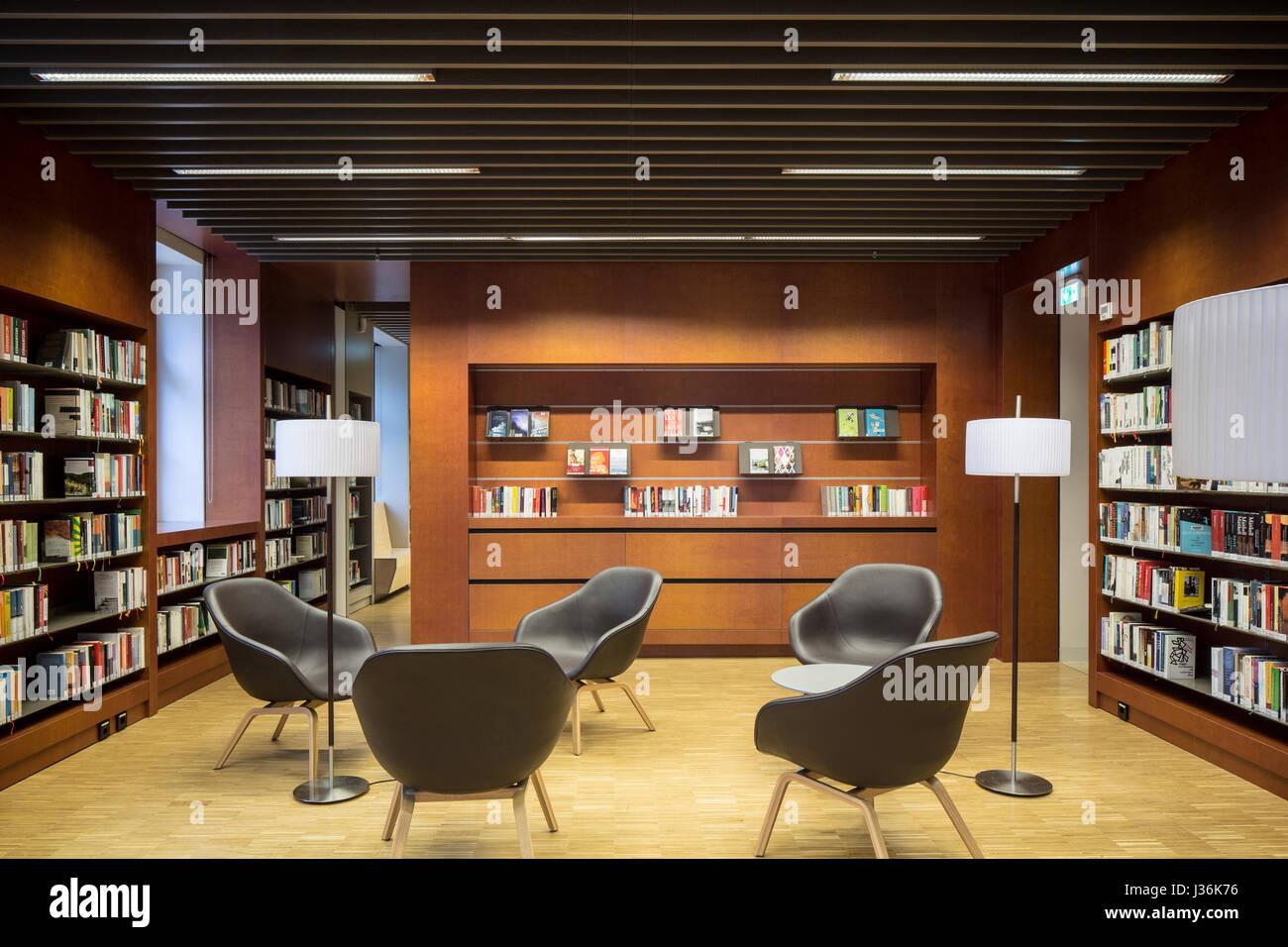 Private reading room with bookshelves. Haus der Bildung - Municipal Library Bonn, Bonn, Germany. Architect:  kleyer.koblitz.letzel.freivogel.architekt - Stock Image